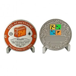 250 Funde - Geo Achievement Geocoin Set mit Pin