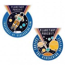 Planetary Pursuit mit Begleiter Tag Geocoin