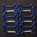 Karabinerhaken in Knochenform mit Geocaching Lasergravur Größe M